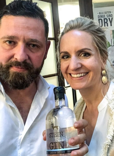 Azwanger Verkostung, Andrea Kopp und Johannes Steiner mit Steinhorn Gin